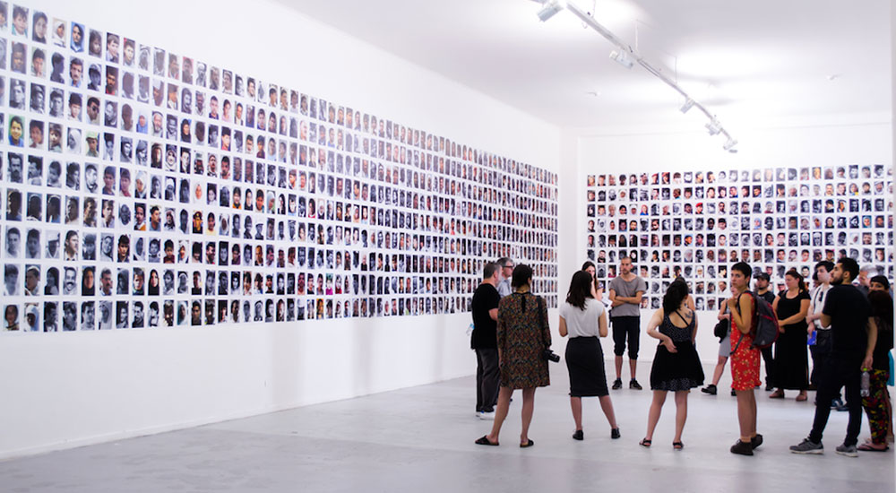 Miki Kratsman, People I Met, 2010–2018 (installation view), Museo de Arte Contemporaneo, Santiago, Chile. Photo: MAC Quinta Normal.